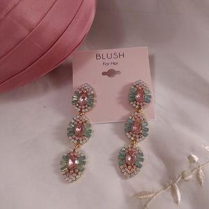 Spring Vintage Style Dangle Pierce Earrings Blush